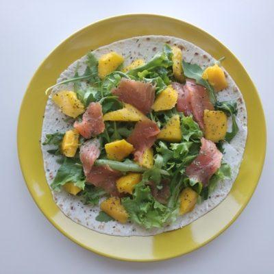 Wrap de salmão e manga_Resize